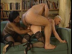 PornoReino Fisting Videos