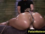 Valentina atada y follada brutalmente en una sesión extrema de bondage