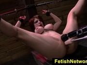 Velma DeArmond  follada violentamente estando inmovilizada