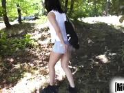 Jenny Sapphire se folla en el parque