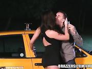 Destiny Dixson le da al taxista una buena cogida