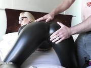 Lara CumKitten en tres videos muy calientes