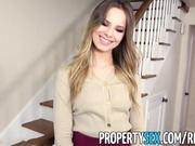 Muy buen agente inmobiliario anima al cliente