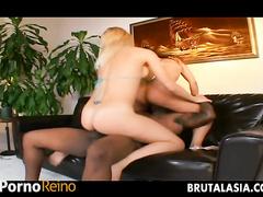 PornoReino Threesome Videos