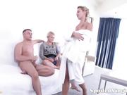 Rubias gemelas perdiendo su virginidad HD