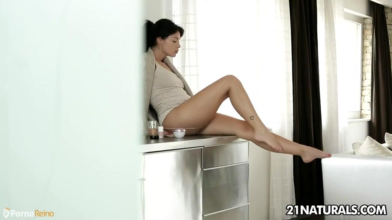 Actriz Porno Valentina Rossi Madura Italiana https://www.pornoreino/videos/disfrutar-de-sus-pies-sin