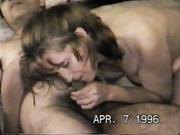 Juan se hace una paja para que ella lama su semen