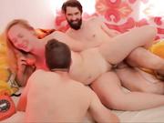 Un trío bisexual muy caliente