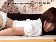 Chica japonesa follada por el masajista