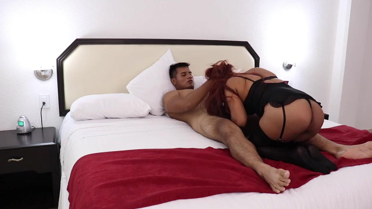Asiatica Atrapada Ascensor Porno https://www.pornoreino/videos/el-hijastro-le-da-un