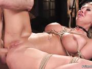 Rubia con grandes tetas torturada y follada por el culo